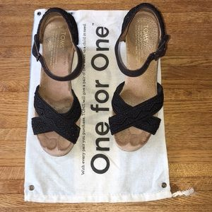Toms wedge Size 6.5